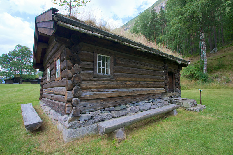 Norwegian house in the 18th century. The dove tail joint arose after the Vikings returned from Russia...So a thousand years ago and the connection is still used today.