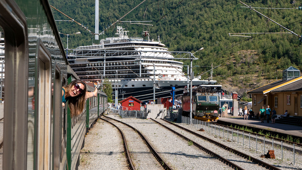 Flam Railway and Holland America Line Nieuw Statendam