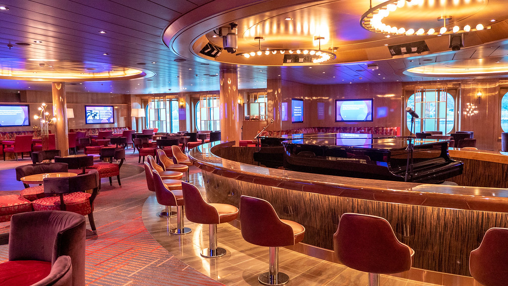 Billboard Onboard - the bar and seating area