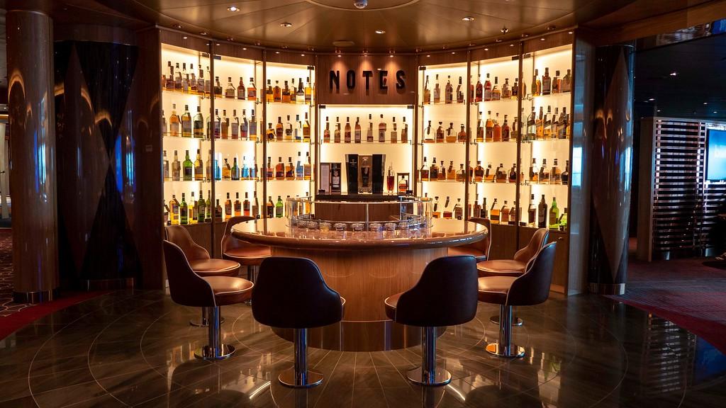 Notes whiskey bar - Nieuw Statendam cruise ship