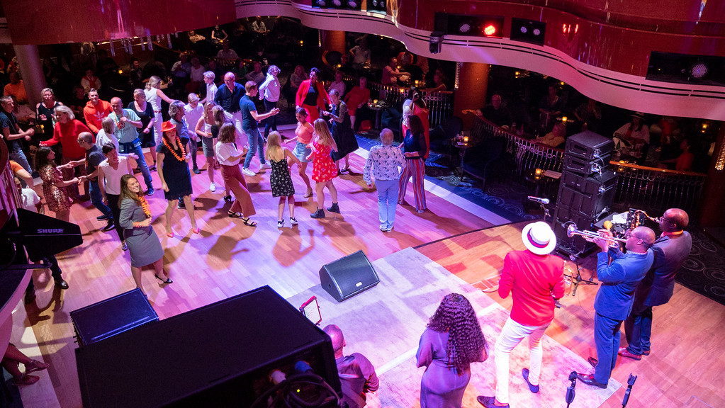Cruise to Norway with Holland America's Nieuw Statendam: B.B. King's