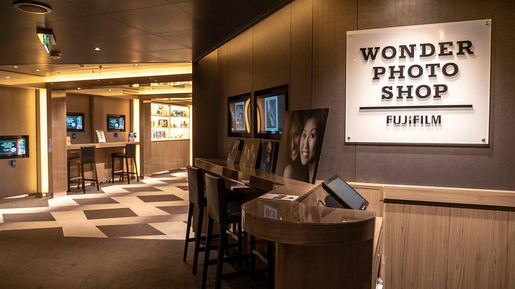 Wonder Photo Shop on Nieuw Statendam cruise ship