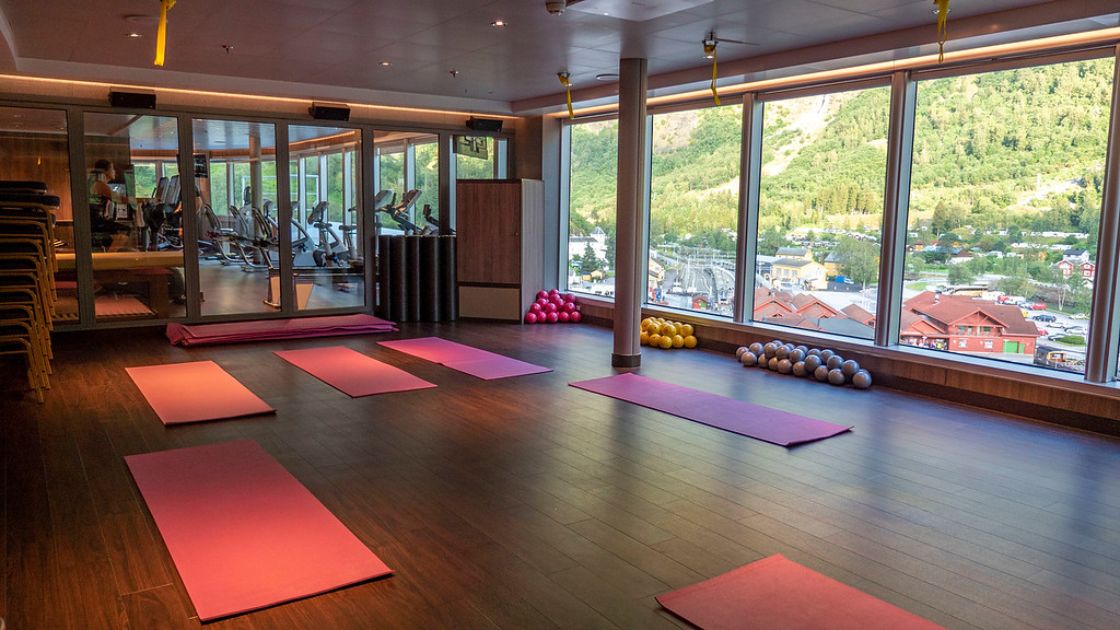 Fitness room for yoga on Nieuw Statendam