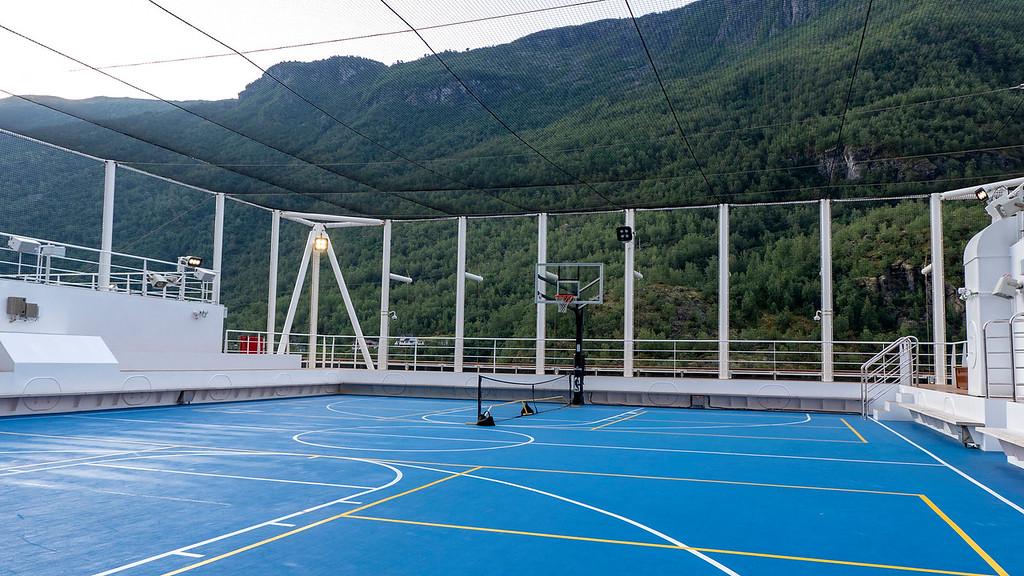Basketball net at the sports court - Nieuw Statendam