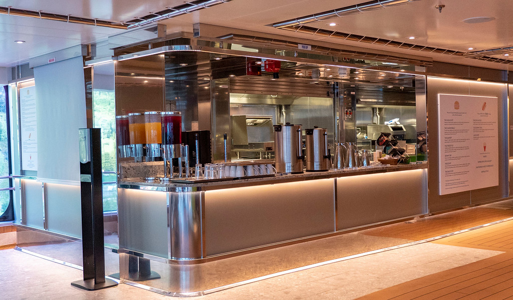Dive In - fast food on Nieuw Statendam and Holland America Line