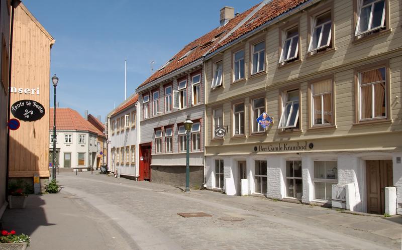 Trondheim street scene, 5 June 2008 3