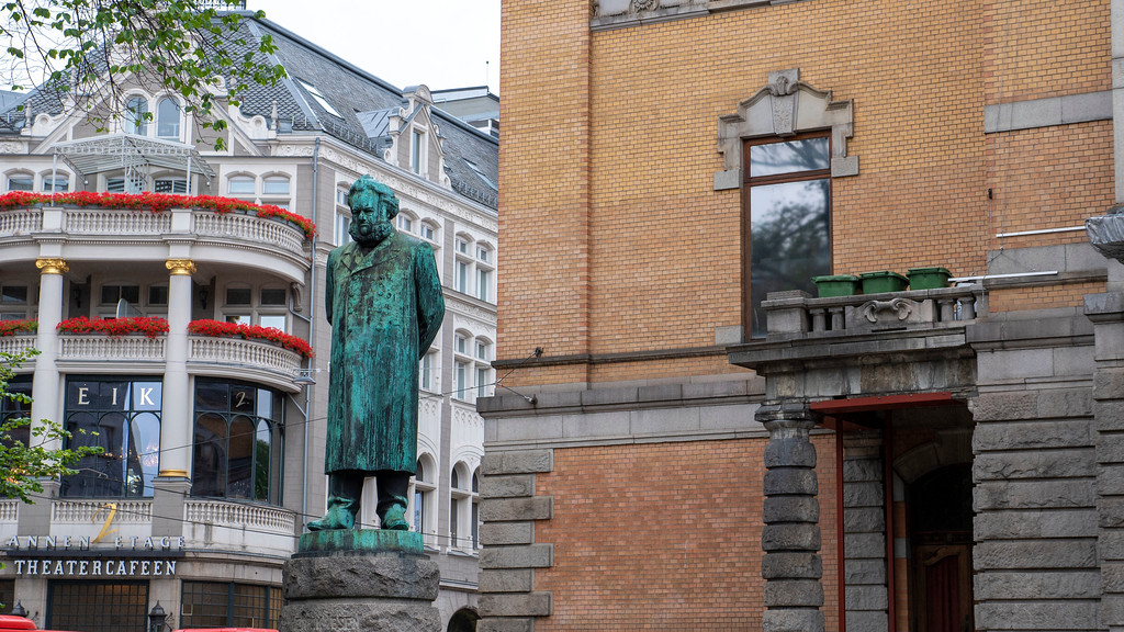 National Theatre statues in Oslo Norway - Oslo sightseeing and attractions