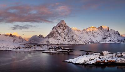 Reinefjorden Olstinden Sunrise