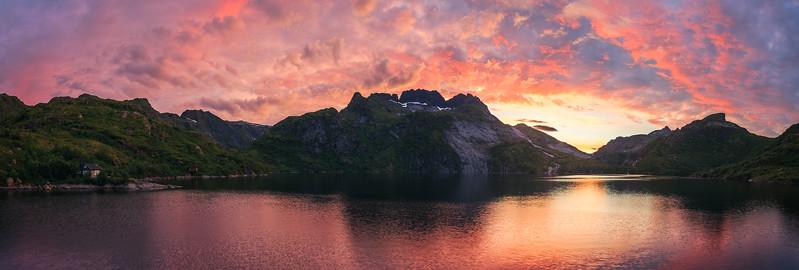 Lake Stuvdalsvatnet Sunset