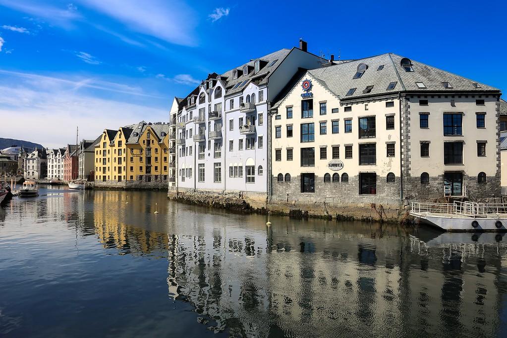 Alesund Canal 007