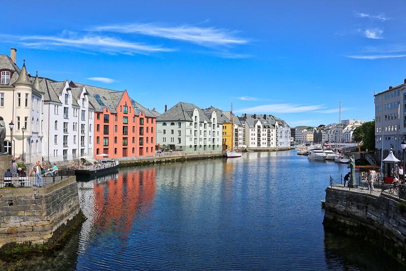Alesund Canal 0012