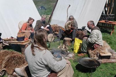 """Ende Juni fand in Stavanger im """"Eisenzeithof"""" (Jernalder gården) ein Mittelalterfest statt. Mit dem richtigen Outfit gab es freien Eintritt!"""