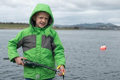 Die Kinder wollten Angeln. Da wir kein Boot hatten, sind wir nach Lundsvågen gefahren. Aber Fische haben wir keine gefangen.