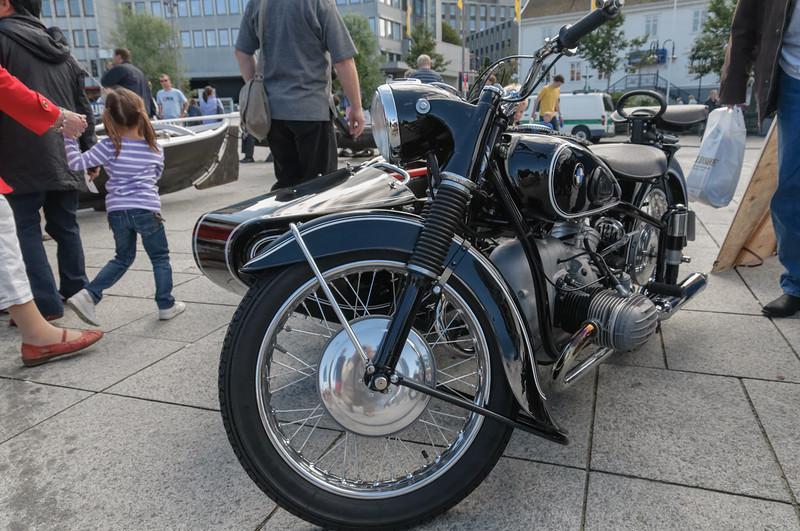 Es gab nicht nur alte Schiffe zu sehen, sondern auch Autos und Motorräder.