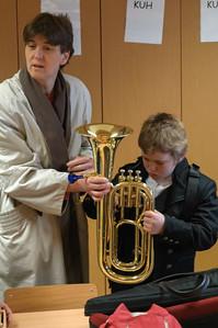 Morgens um 7 Uhr musste Richard schon zum Korps. Die Nachbarschaft der Schule wurde mit Musik geweckt.