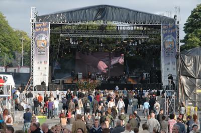 Auf einer grossen und mehreren kleinen Bühne gab es viel Musik.