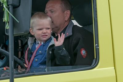 Welches Kind hat nicht davon geträumt, einmal am Steuer eines Feuwehrautos zu sitzen.
