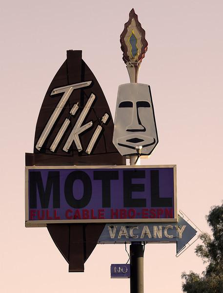 Tiki Motel