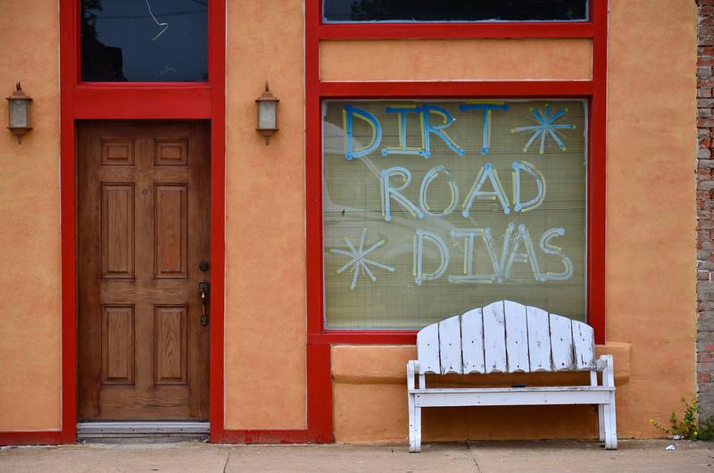 Dirt Road Divas