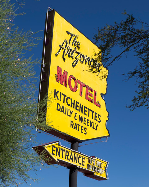 The Arizonian Motel sign in Tucson, AZ