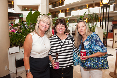 Mary Grace Murphy Mandaro (GCM72), Mary Kennedy Wyckoff, Christy Caldow Bull