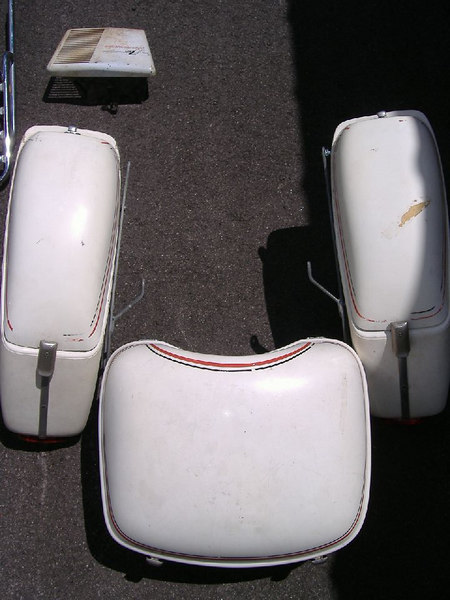 Matching Wixom Ranger hard saddlebags and topcase.  All latches work, but there are no keys.