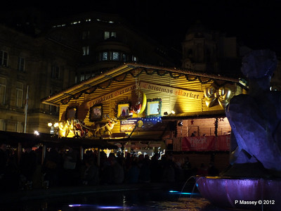 Victoria Square Frankfurt Christmas Market 05-12-2012 18-35-57