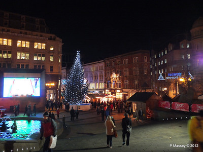 Victoria Square Frankfurt Christmas Market 05-12-2012 18-35-12