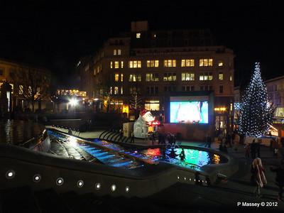 Victoria Square Frankfurt Christmas Market 05-12-2012 18-34-47