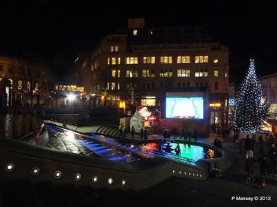 Victoria Square Frankfurt Christmas Market 05-12-2012 18-34-44