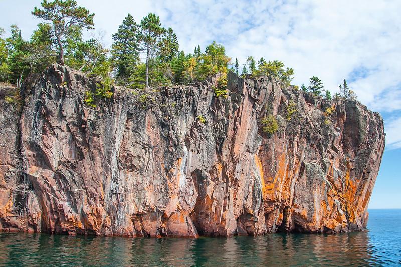 10740 - Lake Superior Shoreline