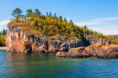 10738 - Fall Colors - Lake Superior Shoreline - North Shore, MN