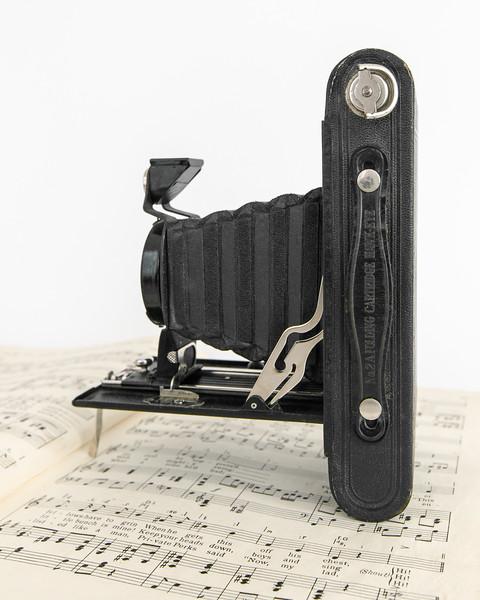 ~1930 Kodak No. 2A Folding Cartridge Hawk-Eye Model B