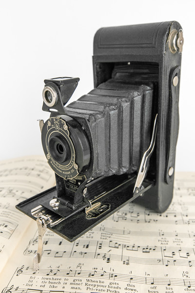~1930 Kodak No. 2A Folding Cartridge Hawk-Eye Model B