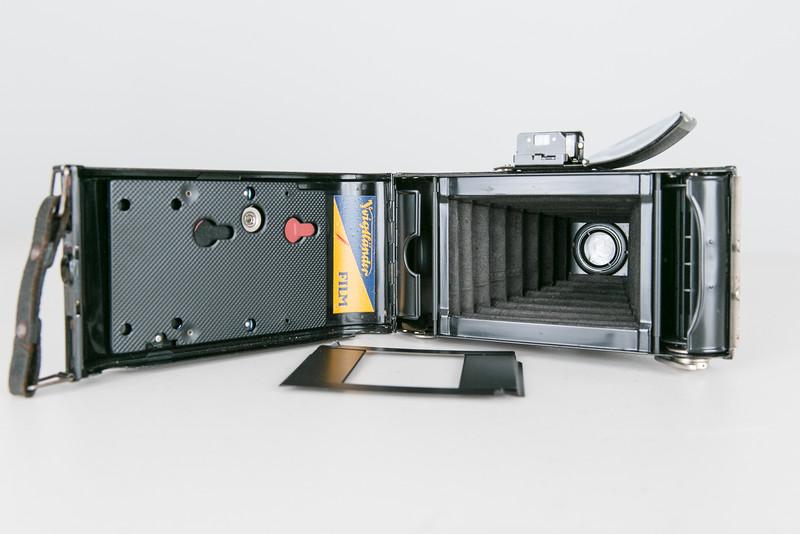 "1937 Voigtländer Bessa, Voigtar 10.5cm/f6.3 with 2 1/4"" x 1 1/8"" small picture mask"