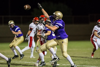 NDP Frosh FB vs Chap-_L4V4146