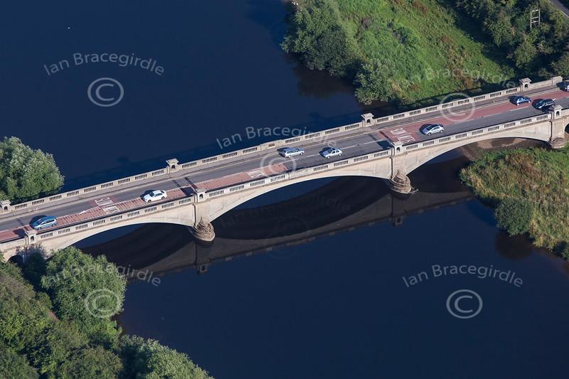 Aerial photo of Gunthorpe bridge.