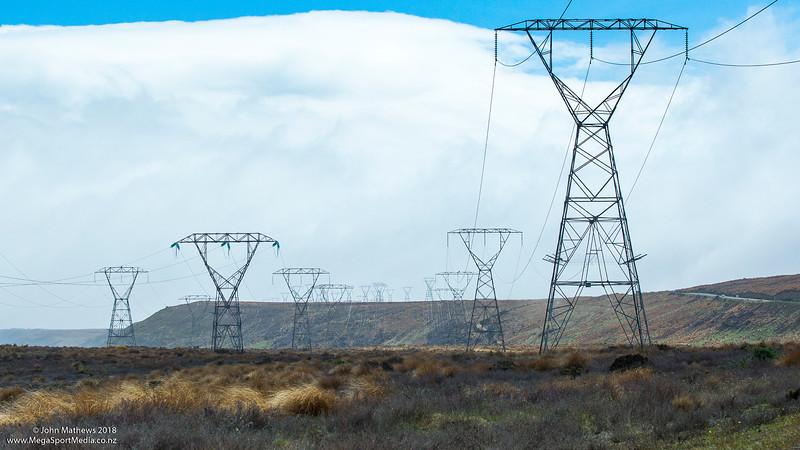 20181108 Transmission lines, Desert Road, NZ  _JM_7117