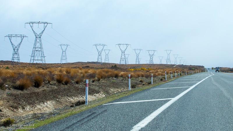 20181108 Transmission lines, Desert Road, NZ  _JM_7149