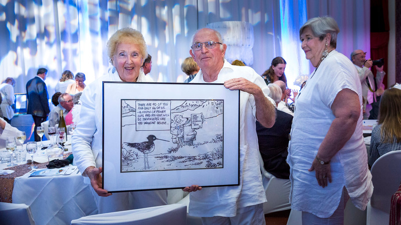 20191101 June & Graham with Auction win at Mike MCabes Heavenly Ball _JM_8529