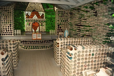 Bottle Houses Cap Egmont.