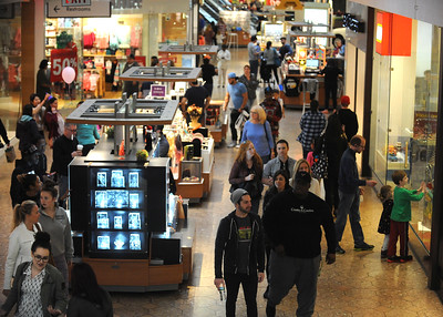 11/19/2016 Mike Orazzi | Staff Shoppers at the West Farms Mall on Saturday.
