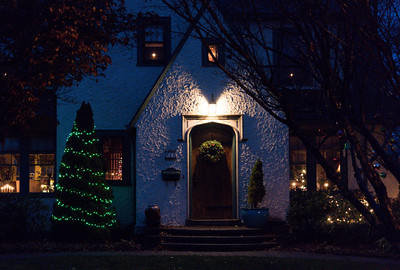 113016  Wesley Bunnell | Staff  Homes in New Britain are singing up to compete of the best holiday house in a contest run by the parks and recreation department. The winning house from last years contest located at 617 Lincoln St.