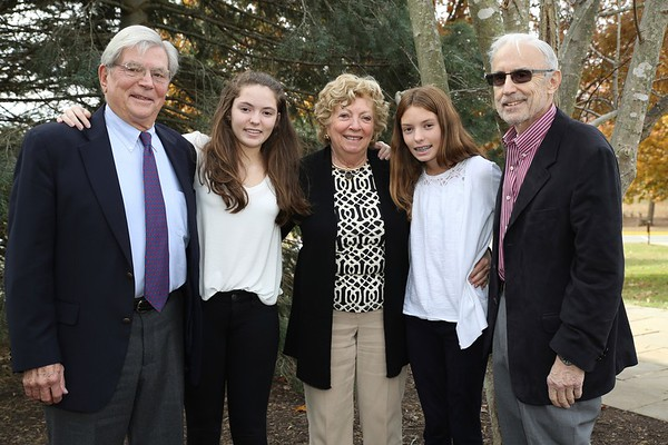 Grandparents & Special Guests Day - Outdoor Family Photos
