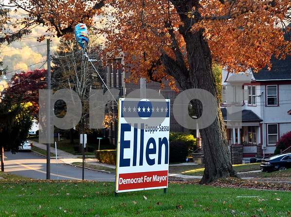 11/8/2017 Mike Orazzi | Staff An Ellen Zoppo-Sassu sign on Federal Hill in Bristol Wednesday.