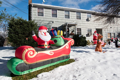 11/16/18  Wesley Bunnell | Staff  Christmas decorations on Edwards St in New Britain on Friday afternoon.