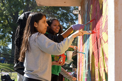 Mural painting at the Ada Jenkins Center. (Bill Giduz photo)