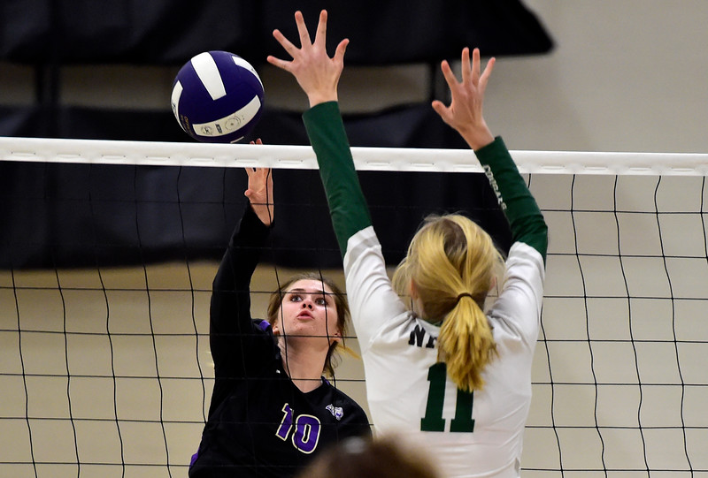 Holy Family vs Niwot Volleyball