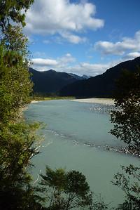 Rzeka miala 'lodowcowy kolor'