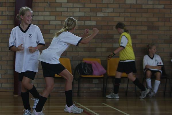 Futsal 2008 0227 - NB U12 Girls  Semi F - Seaforth (6) v Manly Vale (0)